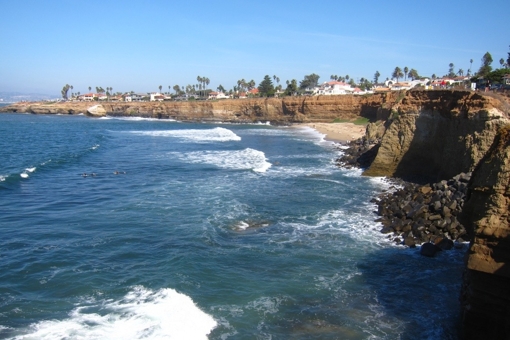 the sunset cliffs in san diego just south of ocean beach