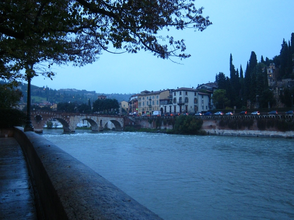 a quick jaunt to the river in verona after wrapping up work for the day