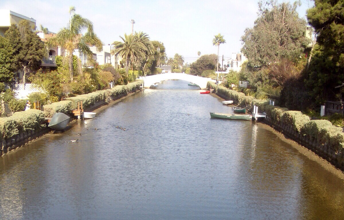 the canals of venice in los angeles