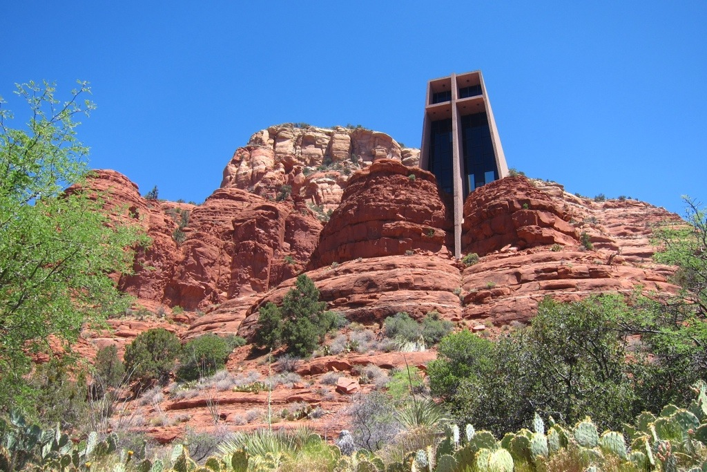 chapel of the holy cross in sedona - fantastic architecture, inside and out