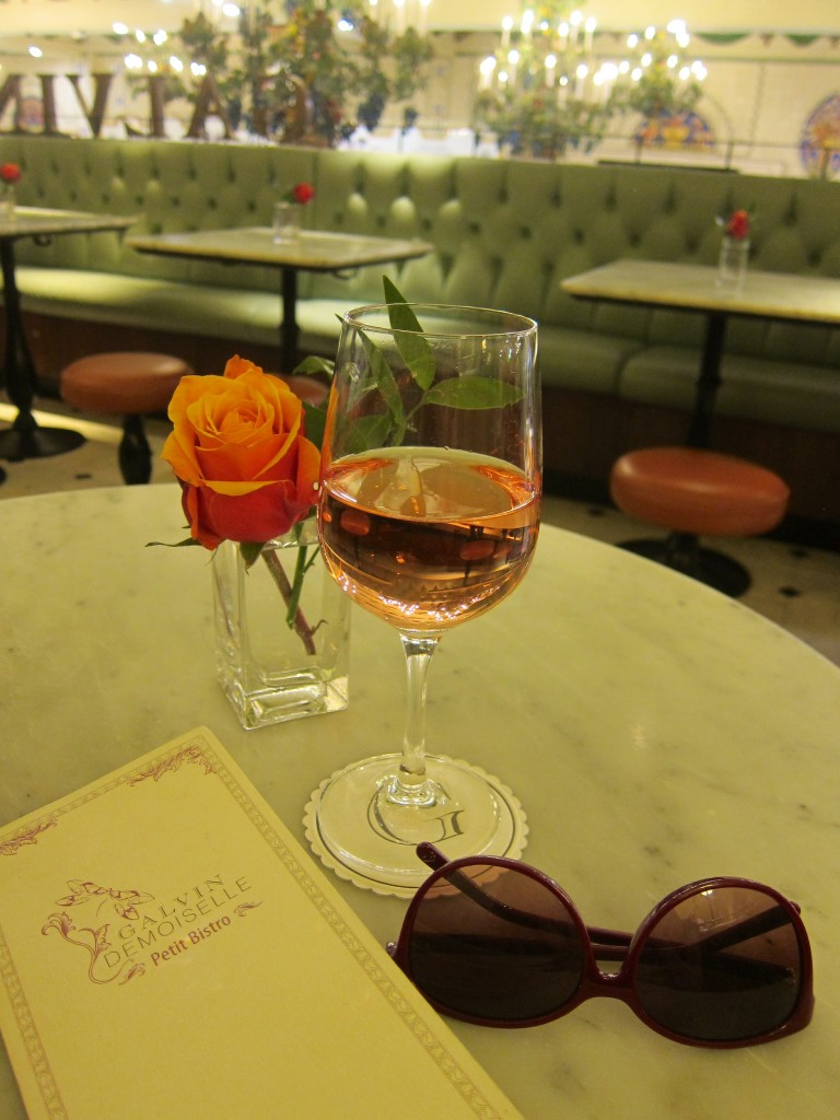 a quick class of wine at galvin demoiselle in harrods (next to the meat market)