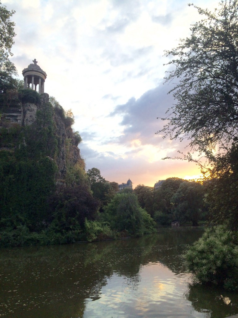 stunning cliff views with the temple atop the parc des buttes chaumont